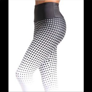 Onzie dotted high rise leggings